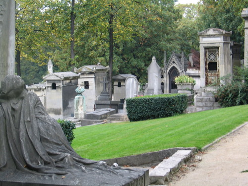 Dead Centre of Town...the Pere Lachaise