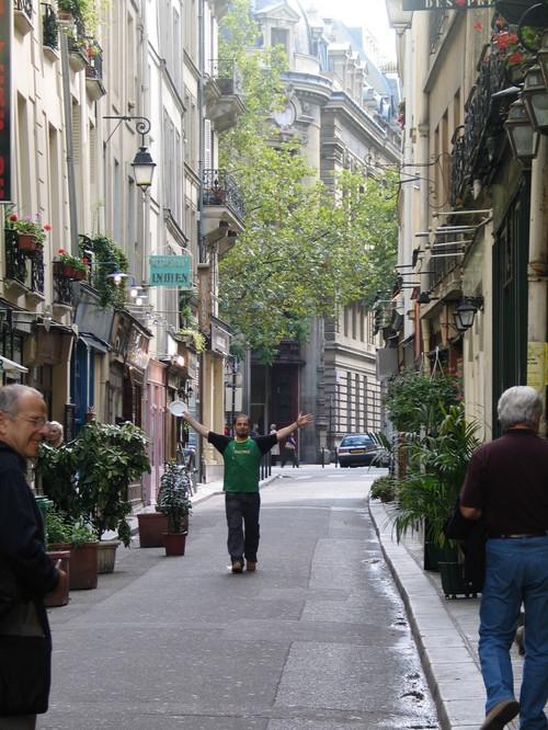 St germain des pres back alley